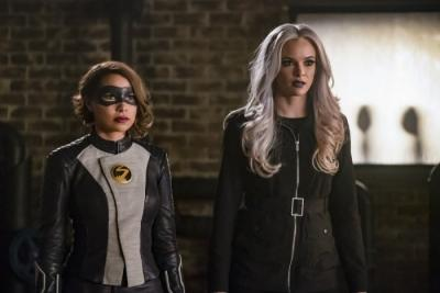 The Flash Season 5 Episode 14 Review: 'Cause And XS'