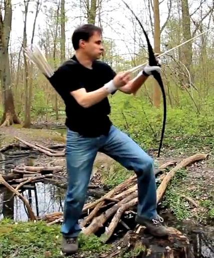 Video Lars Andersen Insane Archery Skills Take Notes Oliver Queen Empty Lighthouse Magazine