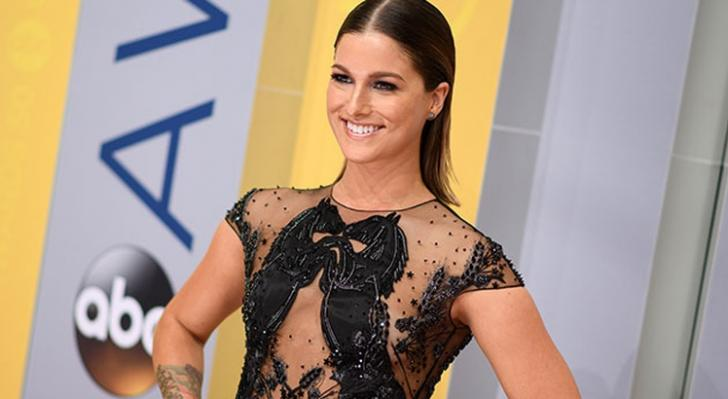 Review: Cassadee Pope's New Album 'Stages' | Empty